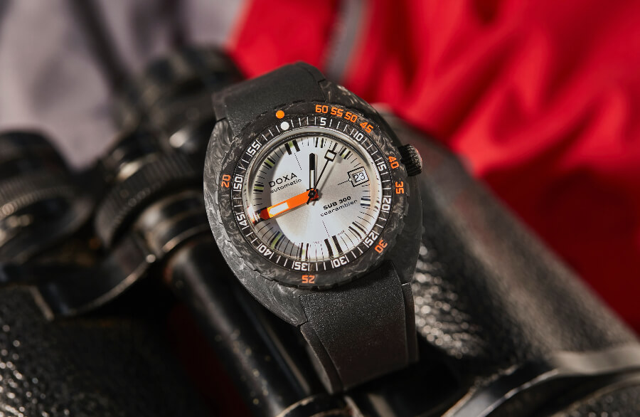 Doxa SUB 300 Carbon COSC Review