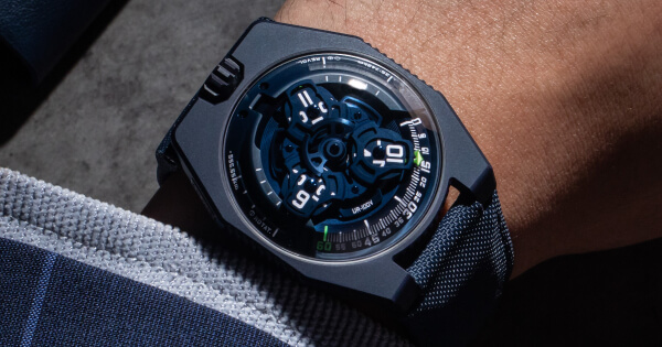 "Urwerk UR-100V ""Blue Planet"" (Price, Pictures and Specifications)"