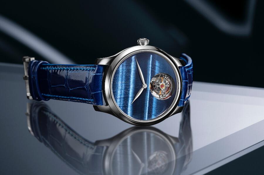 H. Moser & Cie. Endeavour Tourbillon Concept Tiger's Eye Watch Hands On