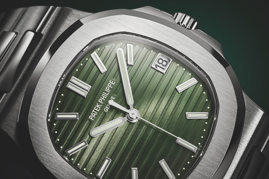 Patek Philippe Nautilus Ref. 5711/1A-014 Green Dial  Watch Review