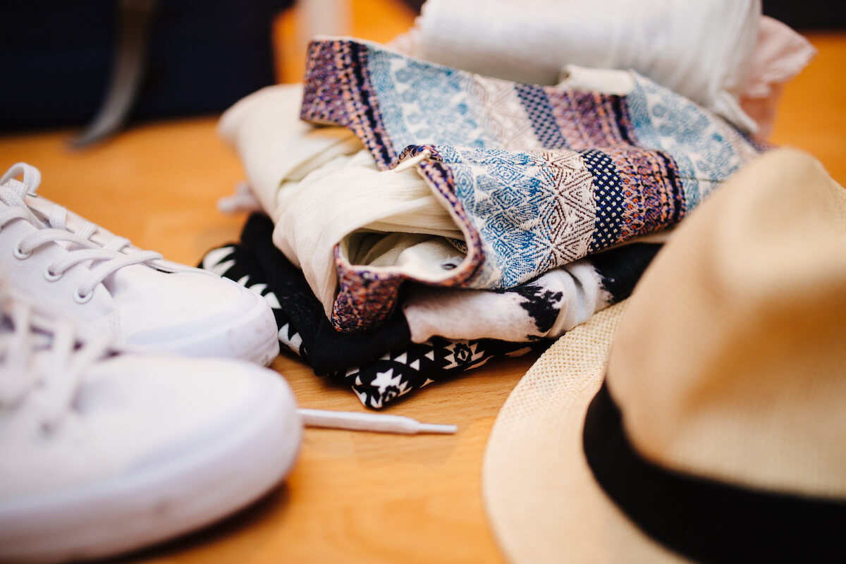 12 Awesome Websites and Apps to Sell Your Clothing Online and Make Money