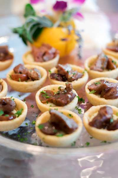 Beef Gorgonzola Tarts with Tender Shaved Beef