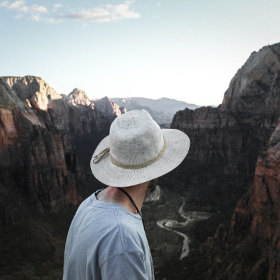 Five Reasons to Visit Zion with a Red Mountain Guide