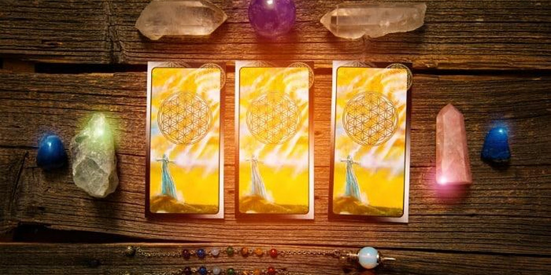 Discovering your Best Self with Tarot, Crystals & the Chakras