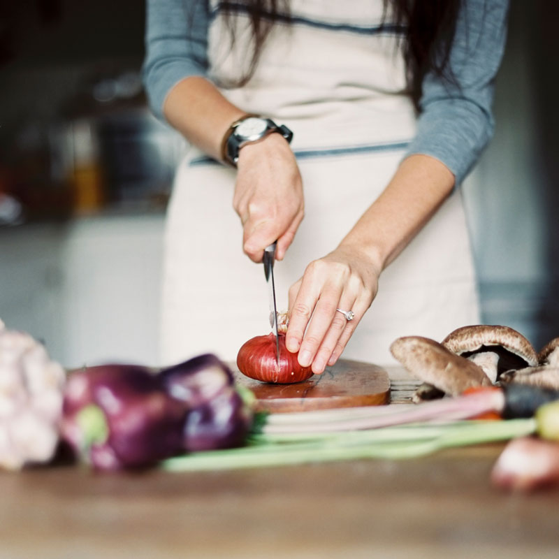 5 Tips to Eat Mindfully through the Holidays