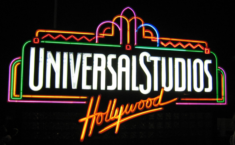 universal studios fountain sign at night