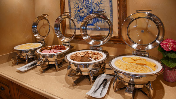 Best Western PLUS Sunset Plaza Breakfast