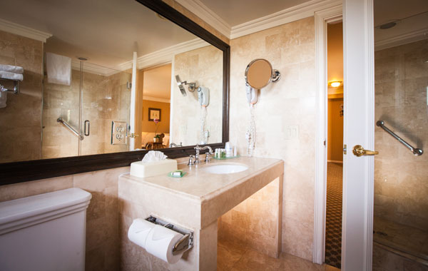 Best Western PLUS Sunset Plaza Balcony Suite Bathroom Amenities