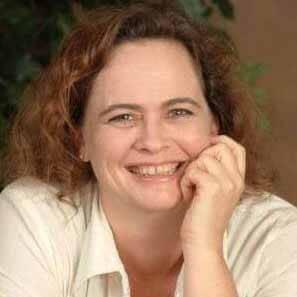 Shellee Harrington