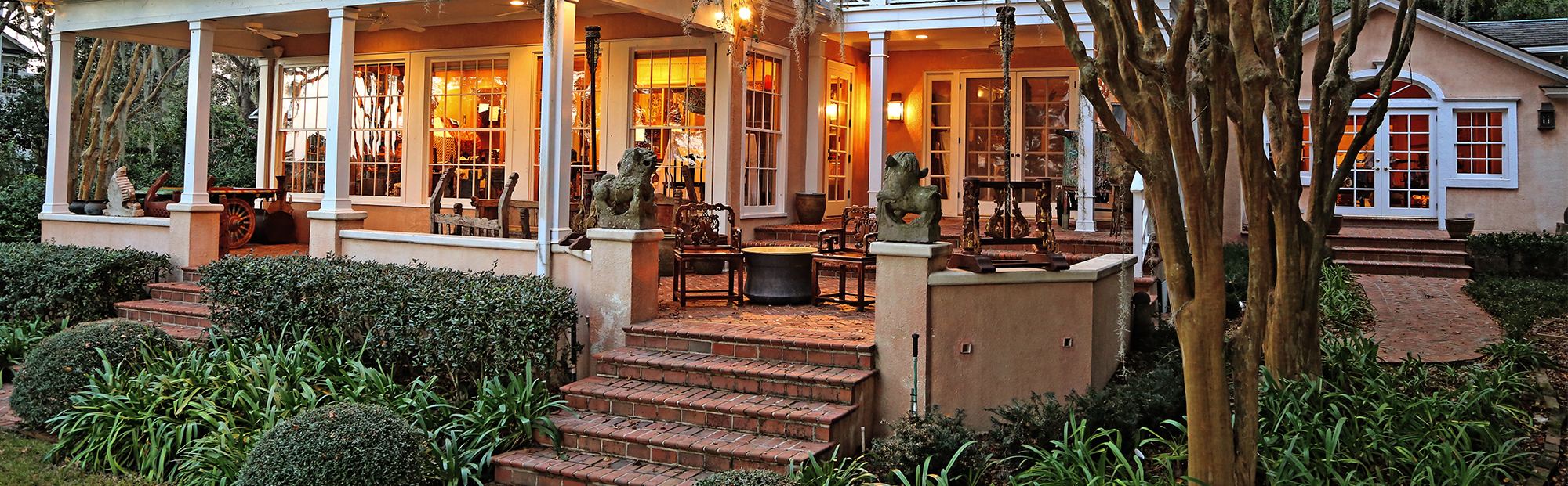 iGavel Interiors: Jacksonville, Florida - Asian Art in a Tropical Setting