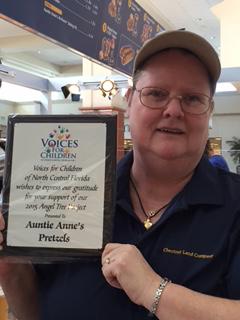 Jennifer of Auntie Anne's in Paddock Mall