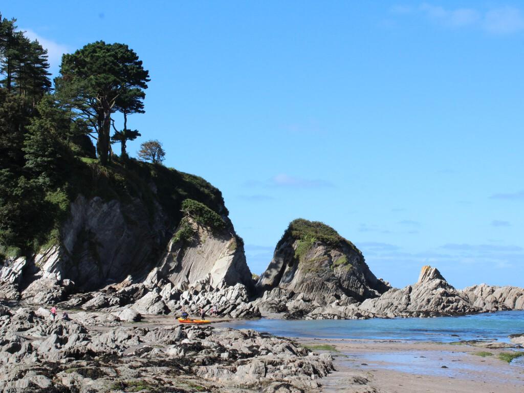 Lee bay rock formations