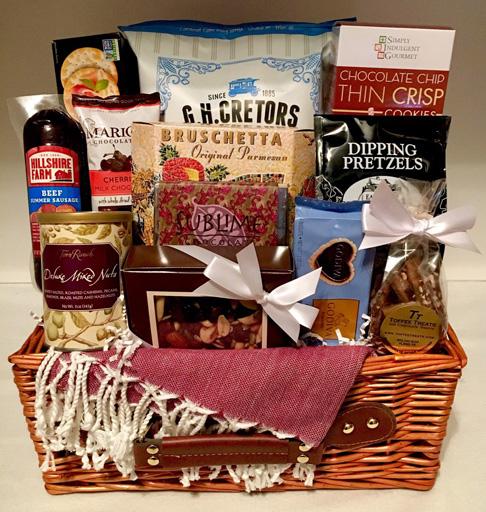 picnic basket, gourmet picnic basket, summer gift basket, summer gifts, outdoor gifts,