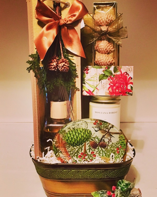 winter baskets, spa baskets, winter gift basket, holiday gift basket, pennys gift baskets