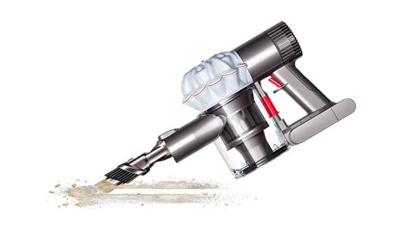 Dyson V6 Cord-Free en fonctionnement aspirateur à main