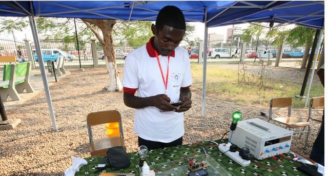 Estudantes angolanos em São Paulo organizam Feira Científica