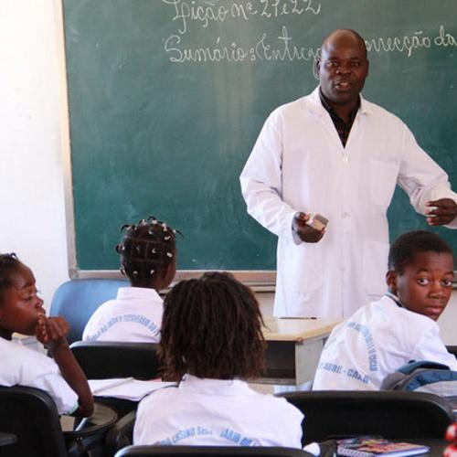 Governo do Huambo reforça programa de alfabetização de jovens