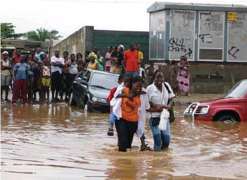 Rangel. Alunos da Imperial Santana estão sem aulas devido à inundação da escola