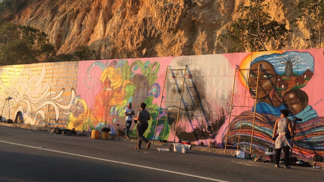 Intercâmbio entre grafiteiros brasileiros e angolanos discute ancestralidade e combate ao racismo