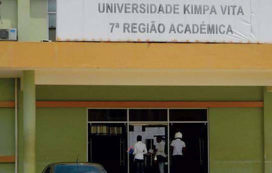Falsos docentes demitidos da Universidade Kimpa Vita