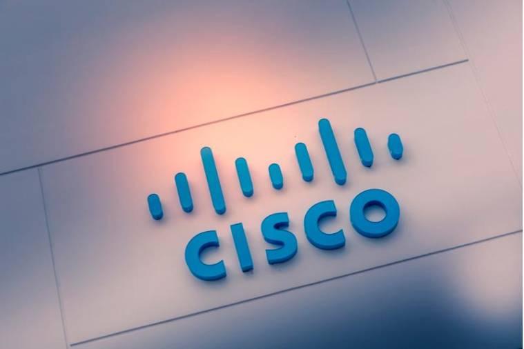 Viana: Casa da Juventude foi beneficiada com uma Academia Cisco
