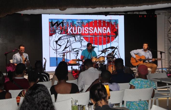 """Álbum """"Kudissanga"""" será levado às zonas mais recônditas de Angola"""