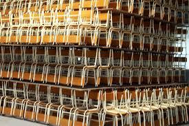 Lubango com necessidade de 10 mil carteiras escolares