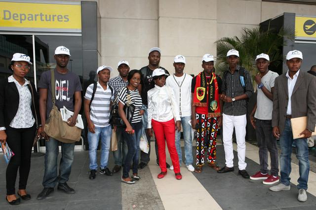 """Bolseiros angolanos, """"resgatados"""" da Rússia, colocados em quarentena institucional"""
