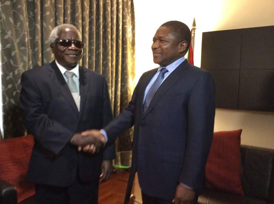 Presidente moçambicano e líder da Renamo em encontro de paz