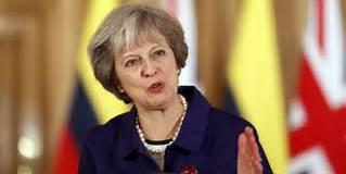 Theresa May acusa Putin de interferir em eleições e apoiar ataques informáticos
