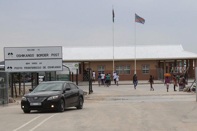 Angolanos no Cunene cruzam diariamente a fronteira para estudar na Namíbia