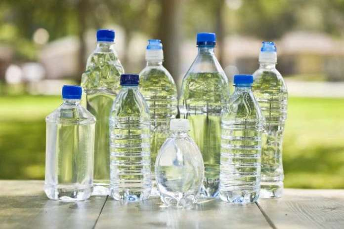 """Proibida a distribuição, comercialização e consumo de água """"Bom Jesus"""""""