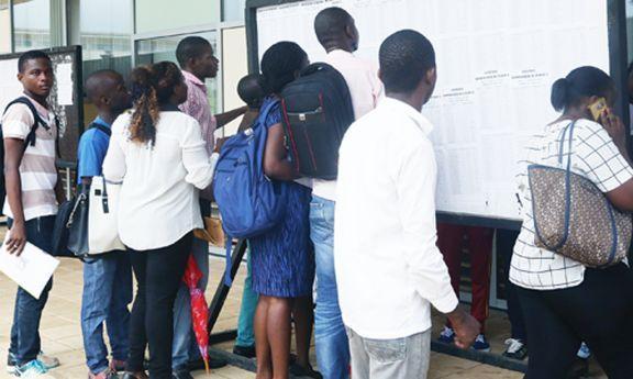 Foram reprovados todos os candidatos à FCA no exame de admissão