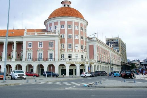 """País possui """"insuficiência"""" no sistema financeiro, admite BNA"""