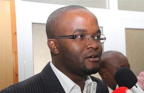 """""""Angola enfrenta a resistência das estruturas centrais"""", considera Belarmino Jelembi"""