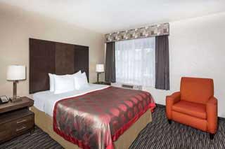 1 king ramada monterey hotel