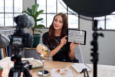 Influencer talking about a product