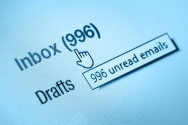 Inbox with 996 unread emails