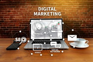 Digital Marketing - Laptop, mobile, e-mail, SEO, video, social network