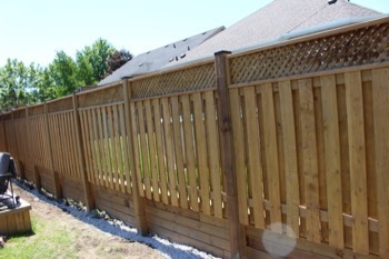 Fence contractor in Richmond Hill