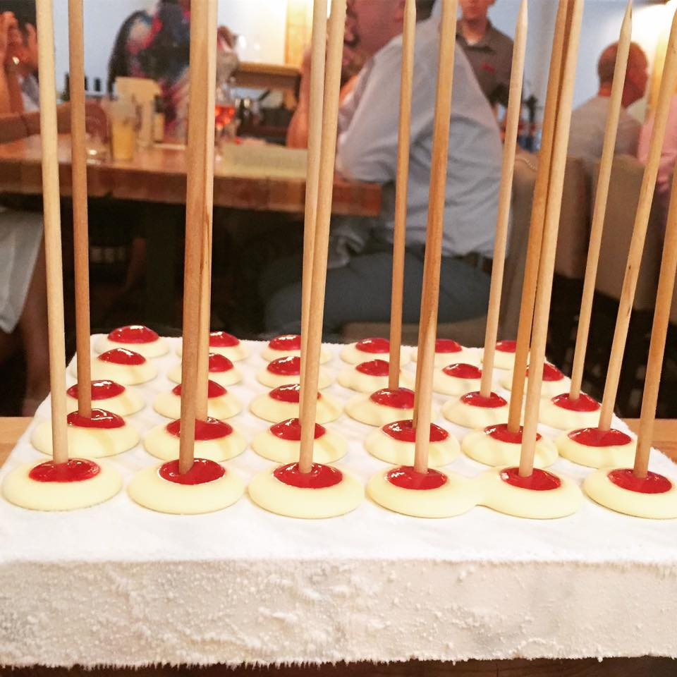 Mezzo - Anti-griddle Lollipop / Lemon Curd / Raspberry Puree