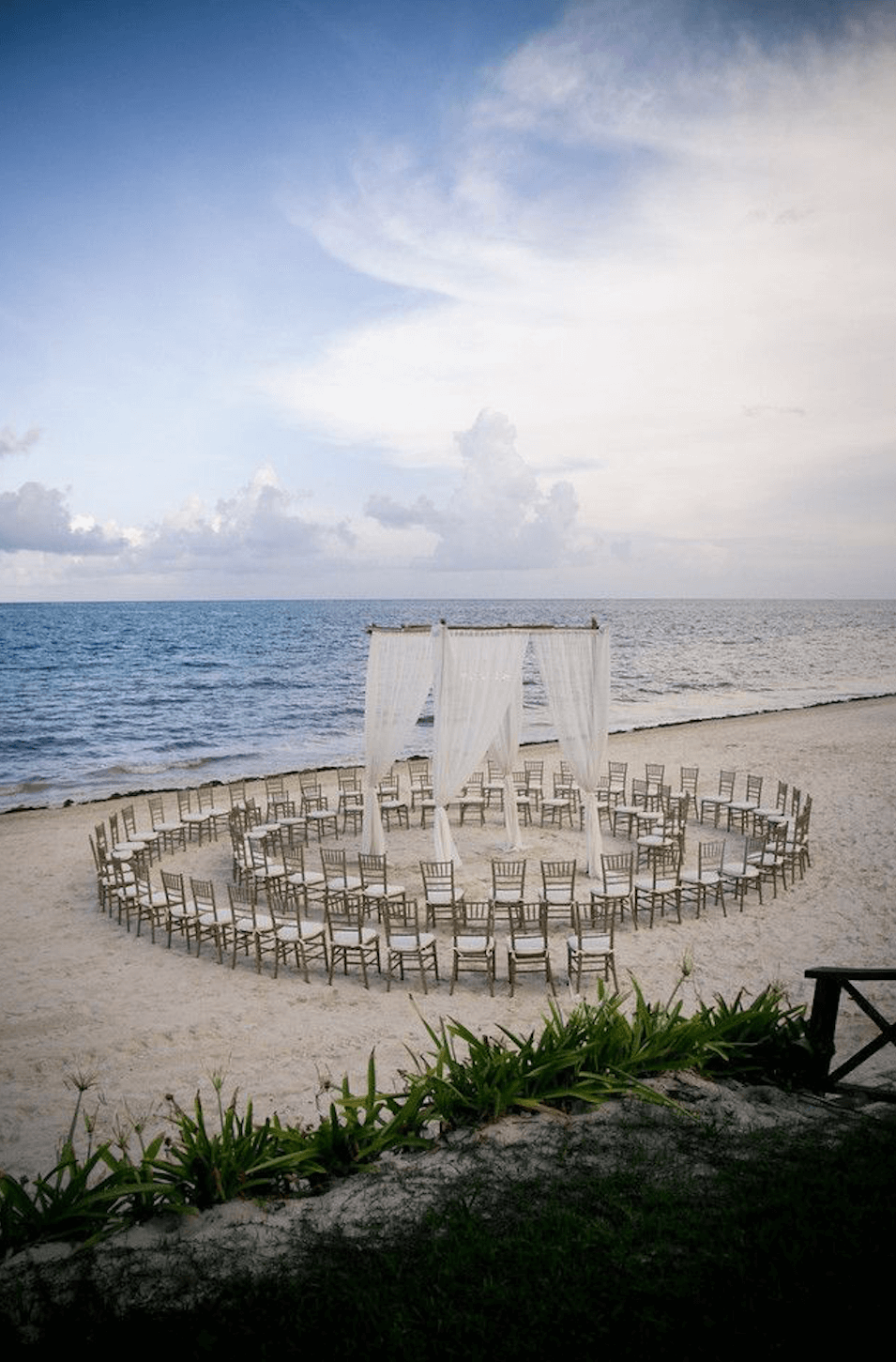 circular beach wedding