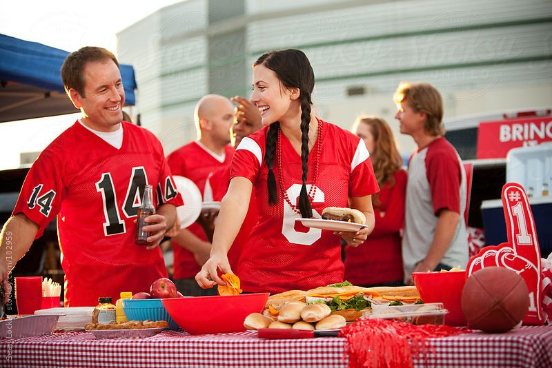 How to Build the Perfect Tailgate Menu