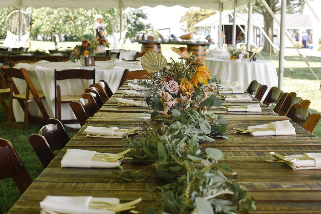 smokehouse grill private estate wedding maryland table setting