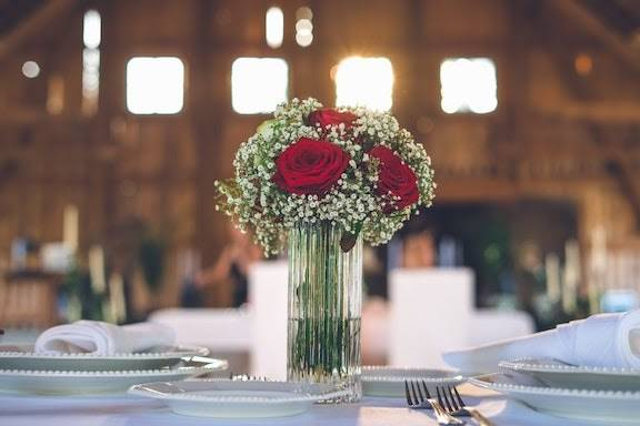 10 Must-Haves For Barn Weddings in Maryland
