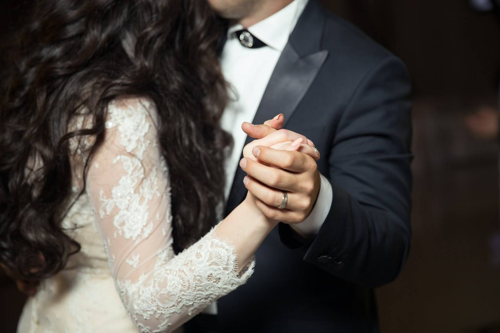 Winter Weddings In COVID — How to Stay Warm and Safe