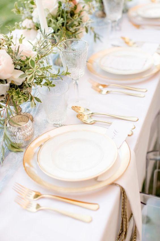 Wedding place setting. Photo via bellethemagazine.com