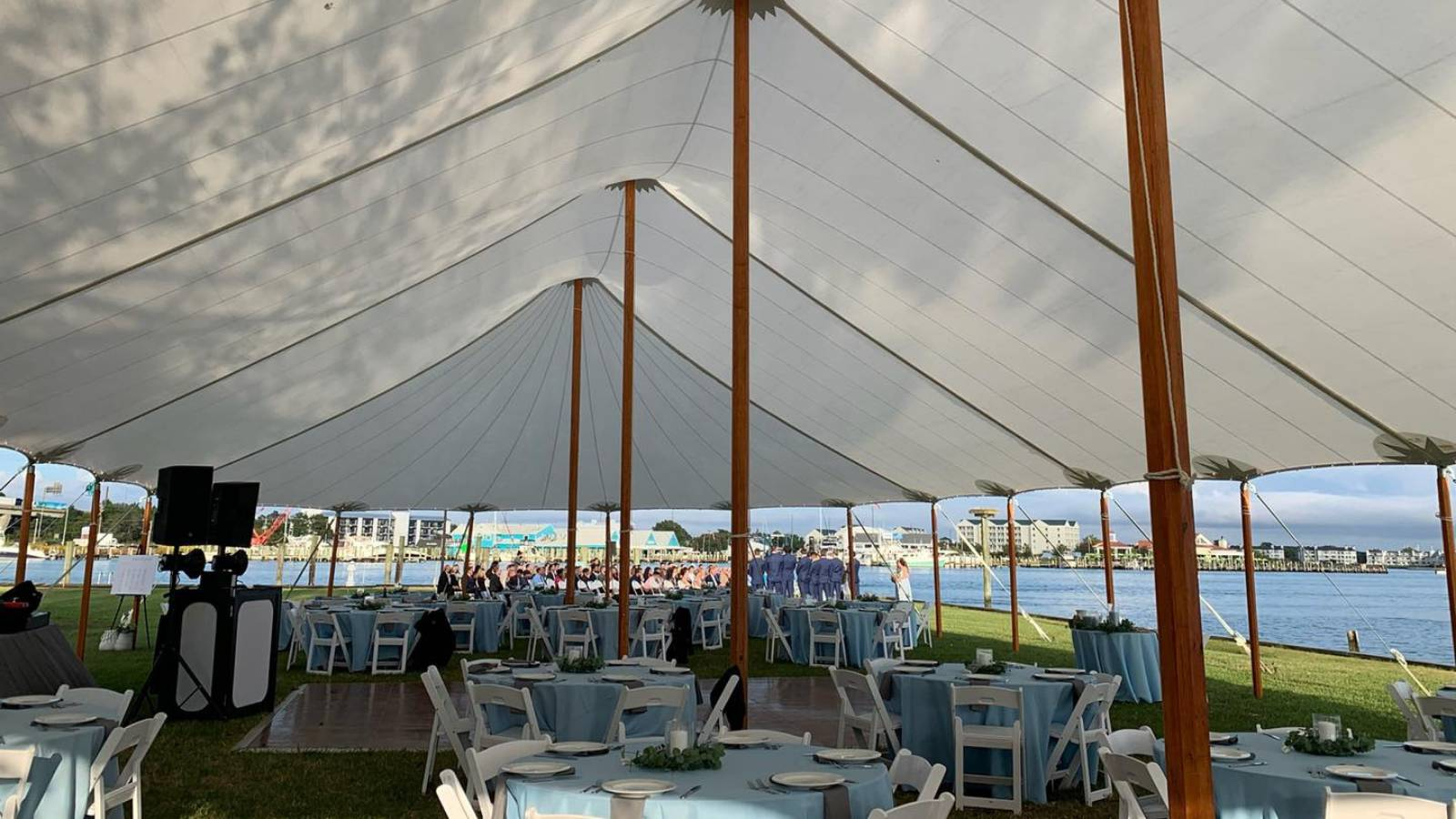 4 Tips to Plan the Best Spring Tented Wedding