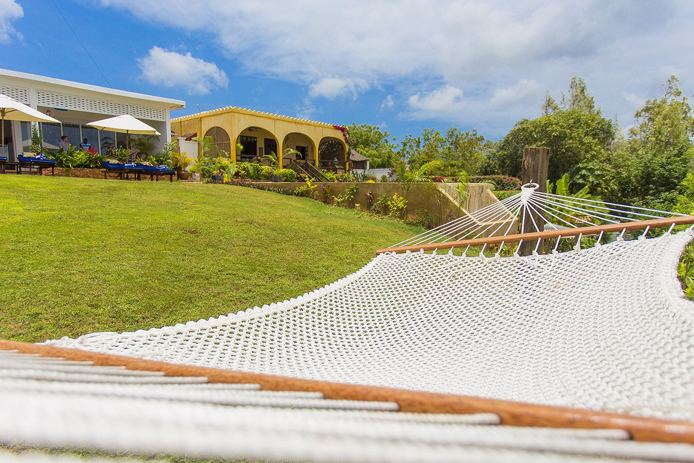 The villas are situated on a small cliff that overlooks the Indian Ocean with the peaceful village of Kidoti nearby.