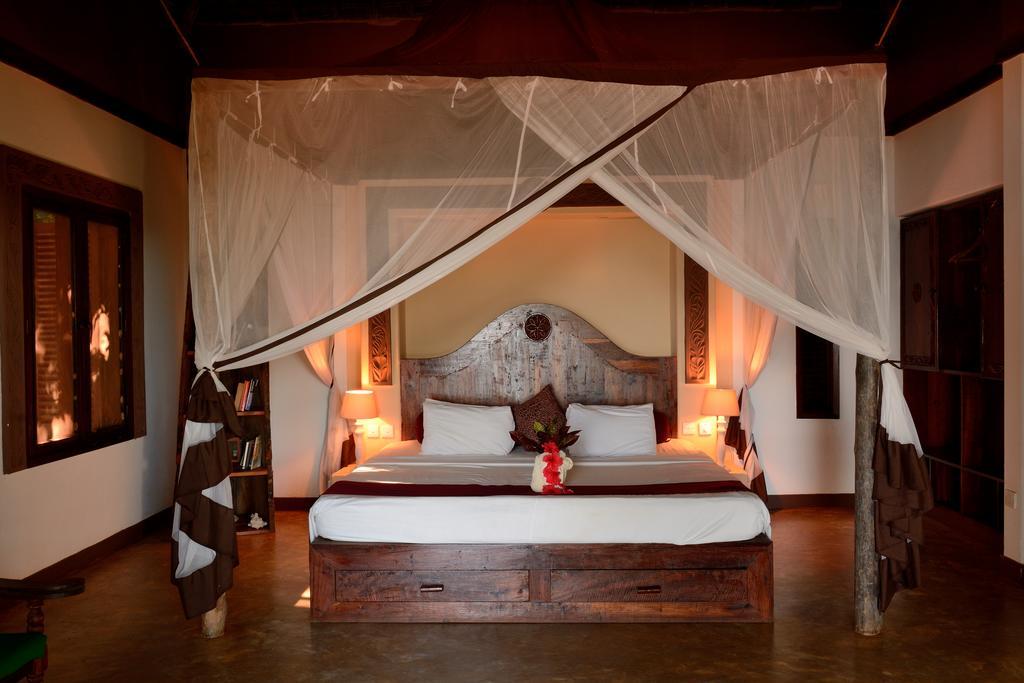 Fumba Beach Lodge is set on the secluded Fumba beach peninsula within the Menai beach conservation area.